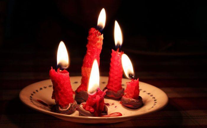 Приворот со свечами