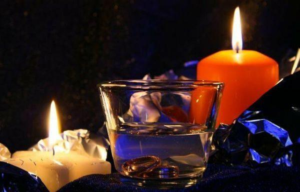 Приворот со свечой