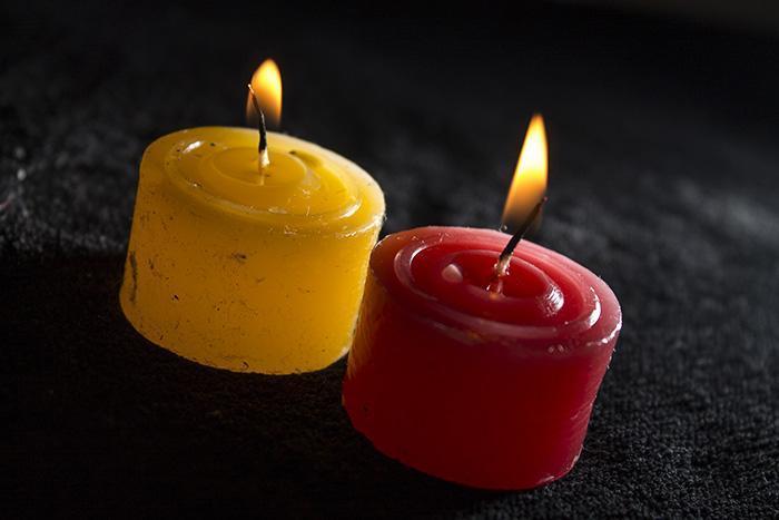 Приворот с двумя свечами